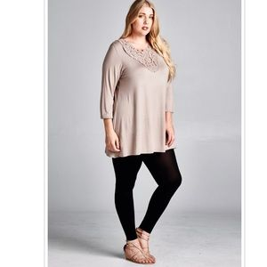 Emerald Fashion Tops - 1X Plus Size Long Sleeve Intricate Lace Neck